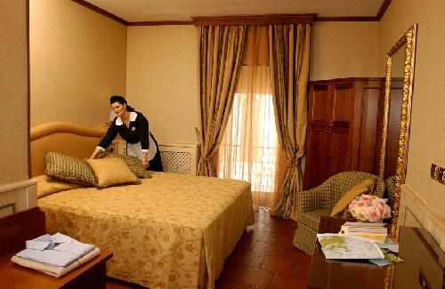 Capodanno Hotel Grotta Azzurra Norcia Foto